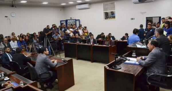 Marquinho tem conta reprovada na Câmara e dispara contra vereadores: 'covardes e traidores'