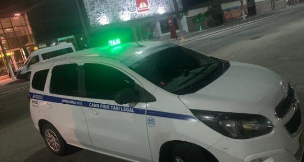 Taxista é golpeado com faca no pescoço e tem carro roubado no Braga