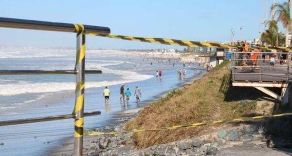 Defesa Civil faz nova vistoria em trechos da Praia do Forte atingidos pela ressaca