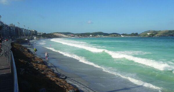 Faixa de areia na Praia do Forte vai voltar ao normal com o tempo, afirma biólogo