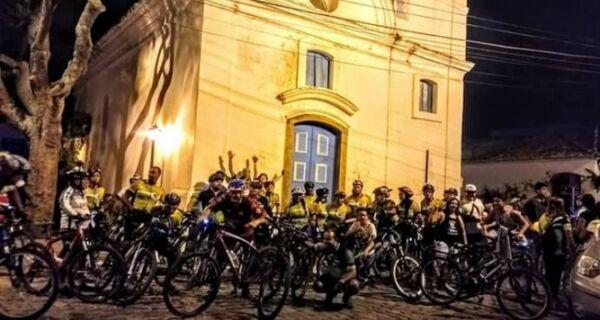 Bike Night Cabo Frio homenageia Dia dos Pais em edição especial