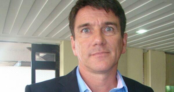 Pela sétima vez, Justiça manda André Granado voltar