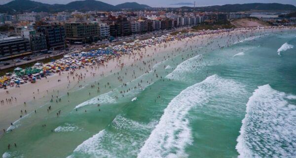 Praia do Forte sediará o Cabo Frio Surf Pro 2019