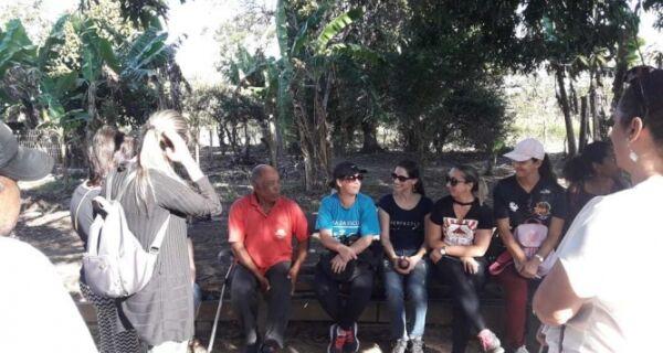 Equipe pedagógica realiza circuito pela comunidade quilombola em São Pedro da Aldeia
