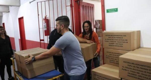 Entregas das maletas literárias foram finalizadas nesta quarta-feira (14)