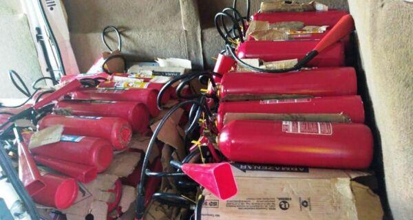 Educação realiza manutenção preventiva e recarga nos extintores de incêndio das unidades escolares aldeenses