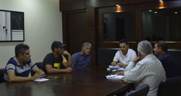 Prefeito de São Pedro recebe diretoria da associação de moradores do bairro São João