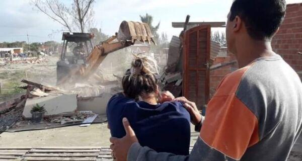 Megaoperação em Arraial provoca revolta e desespero em moradores de área desocupada