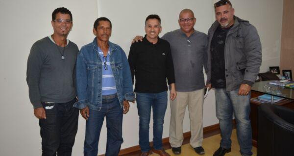 Prefeito Cláudio Chumbinho se reúne com presidentes das associações de moradores do Mossoró e do Bela Vista