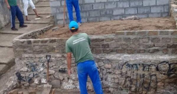 Travessa recebe tratamento paisagístico e reforma em São Pedro da Aldeia