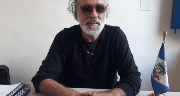 Movimento de artistas entra na Justiça para derrubar secretário de Cultura