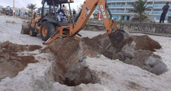 Prefeitura de Cabo Frio faz limpeza na Praia do Forte