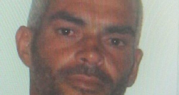 Polícia alerta para morador de rua suspeito de homicídio