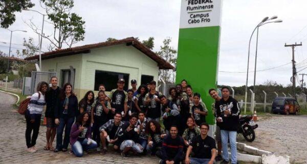 Alunos do bairro Alecrim visitam IFF-Cabo Frio