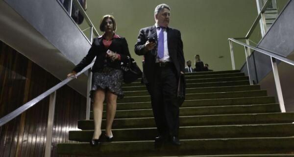 Justiça revoga prisão de Garotinho e Rosinha