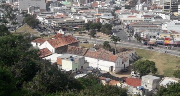 Prefeitura faz cadastramento de construções atrás do convento