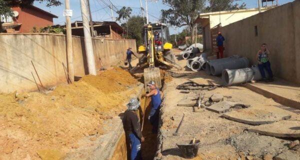 Equipes começam o trabalho de pavimentação no bairro Boa Vista, em Búzios