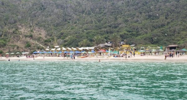 Prefeitura se reúne com quiosqueiros da Praia do Forno