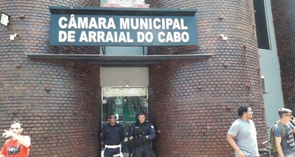 Com tumulto, Câmara de Arraial aprova contas de Renatinho