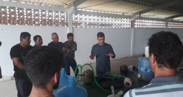 Agricultores e funcionários da Prefeitura participam de curso de confecção de biodigestores caseiros
