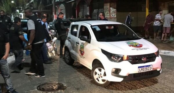 Prefeitura faz choque de ordem nas ruas do Centro de Cabo Frio