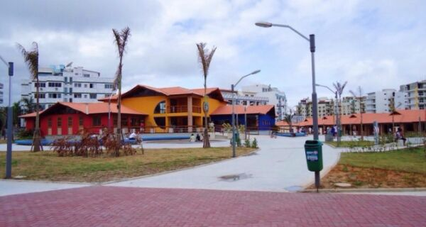 Justiça determina religamento de luz em praças de Cabo Frio