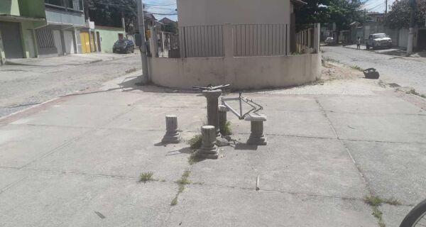 Local de recentes episódios de violência, Manoel Corrêa sofre com falta de serviços públicos