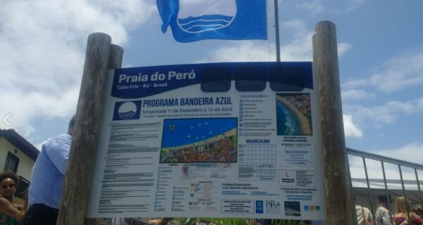 Cerimônia marca início da temporada 2019/2020 da Bandeira Azul na Praia do Peró