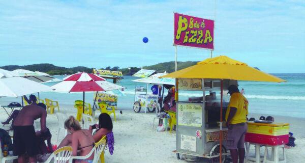 Cabo Frio inicia recadastramento de ambulantes para ordenamento das praias
