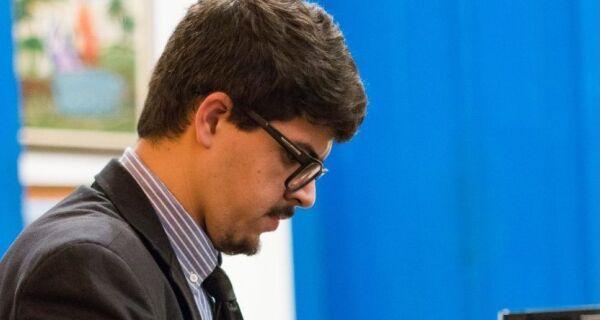 """Jovens pianistas"" recebe Felipe Naim no Charitas"