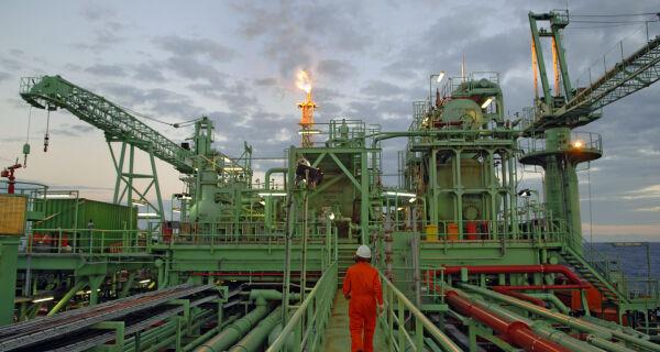 Alerj vai ao STF para garantir tributação do petróleo no estado