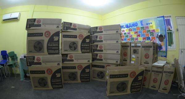 Escola municipais de Iguaba Grande recebem novos aparelhos de ar-condicionado
