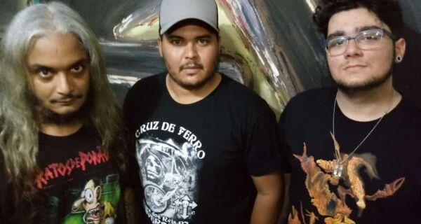 Evento reúne bandas de rock no Closet Pub, em Cabo Frio