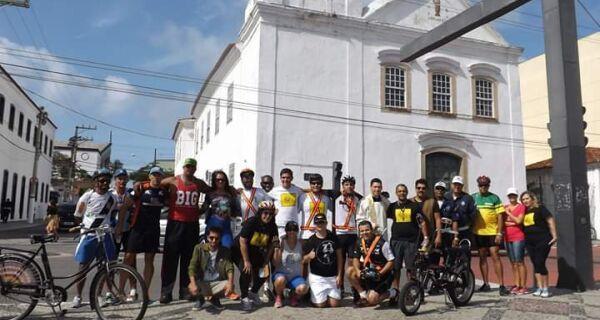 Bike Night Cabo Frio acontece na quinta (12) em alusão ao Natal