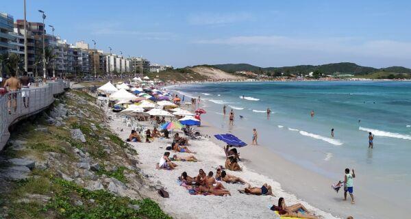 MPF cobra definição sobre limpeza e número de licenças na praia em Cabo Frio