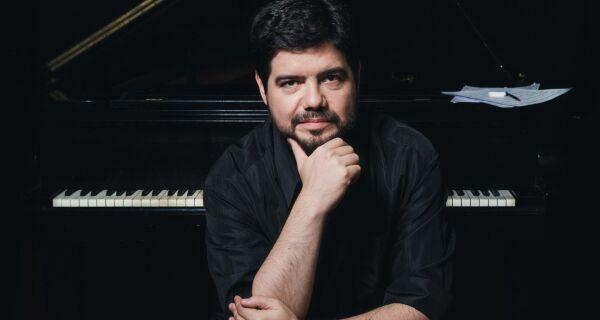 Luiz De Simone é o convidado da Série Jovens Pianistas deste sábado (7)