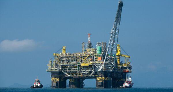 ANP sugere que petrolíferas financiem estudos sobre manchas de óleo