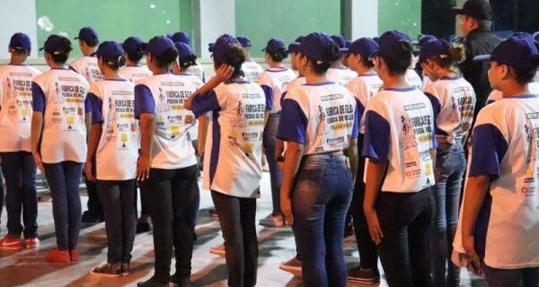 Programa Policial Militar Cidadão realiza formatura de 60 alunos da rede municipal