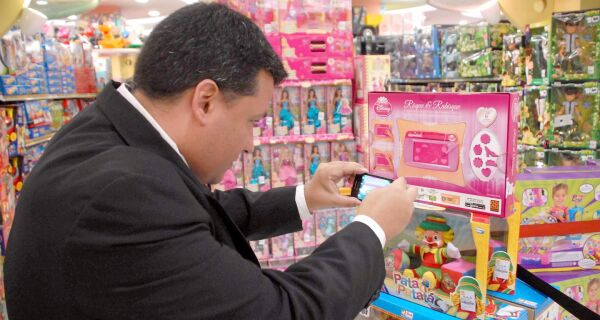 Procon dá dicas na hora de fazer as compras de Natal
