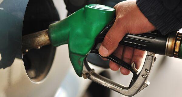 Aumento nos preços dos combustíveis é efeito colateral do conflito entre EUA e Irã