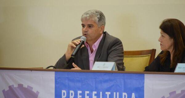 Ex-secretário de Educação de São Pedro vai se reunir com Adriano na segunda-feira (20)