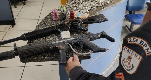 Homem é preso com drogas, granadas e réplicas de fuzil no Manoel Corrêa