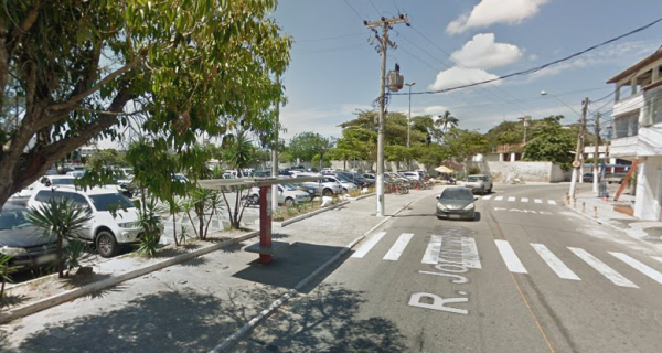 Prefeitura retira ponto de ônibus na Gamboa neste sábado (11)