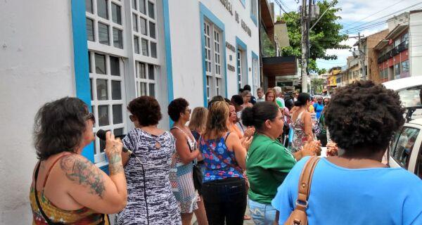 Servidores da Saúde de Cabo Frio não recebem e governo 'estica' calendário