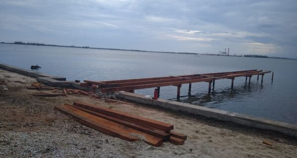 Condomínio é notificado por deck ilegal na Lagoa de Araruama