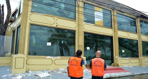 Demolição de casa de festas em São Pedro para na Justiça