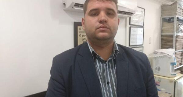 'O Adriano que conheci faria oposição ao que temos aí', afirma Felipe Monteiro