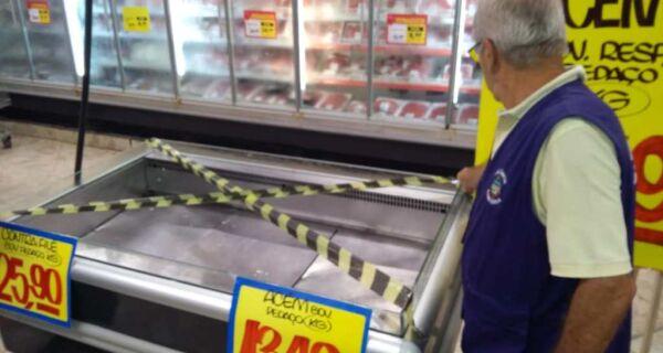 Vigilância Sanitária de Cabo Frio notifica supermercado após denúncia