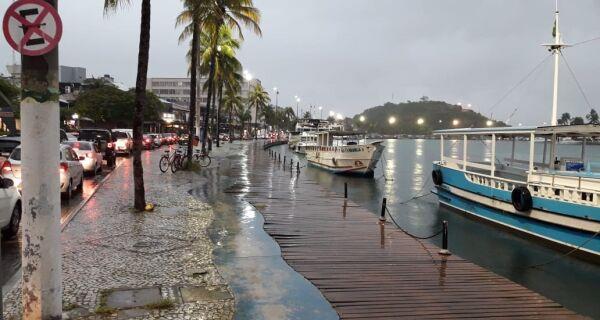 Meteorologia emite alerta de tempestade para as próximas 24 horas