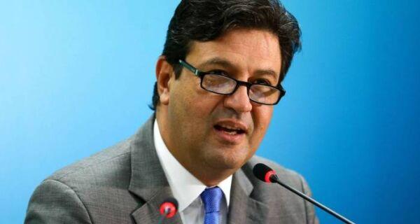 Ministro da Saúde defende adiar eleições de 2020 para conter coronavírus